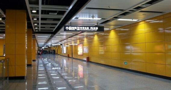 地铁金属漆装饰板的经济可行性